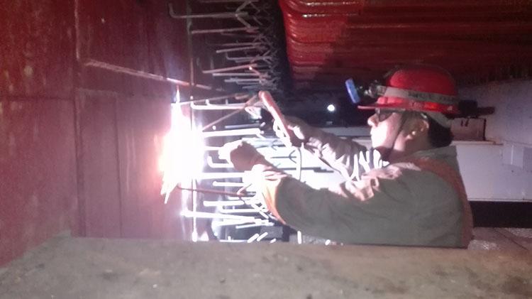 江苏盐城钢铁厂320吨余热锅炉尾部炉墙施工