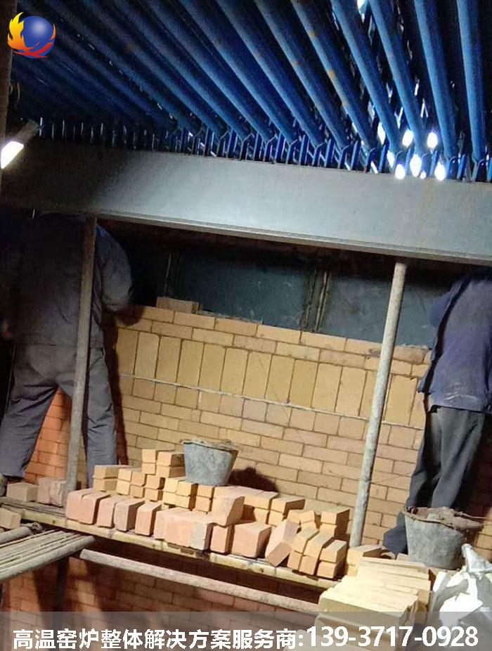 锅炉炉墙高铝热博体育赞助砌筑现场